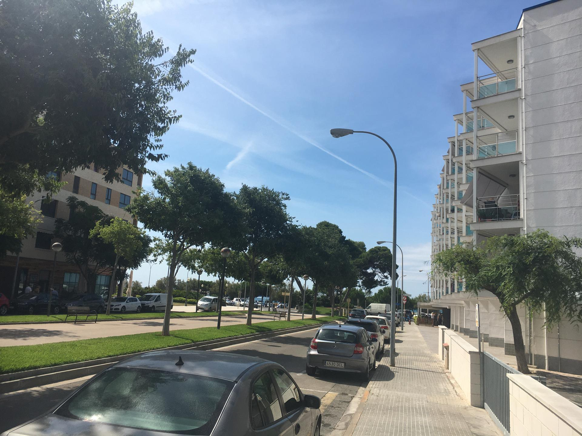Parking -                               Cambrils -                               0 camere -                               0 persone